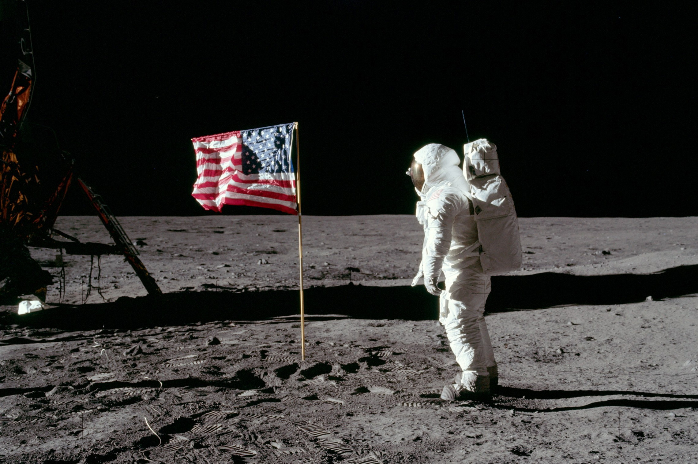 article on the moon landing - photo #35